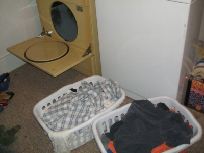 August 14, 2007: Late Night Laundry.